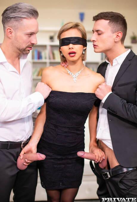 Milfs Sex Blindfold Porn