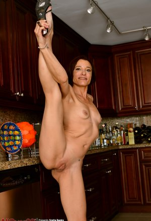Flexible Milf Porn