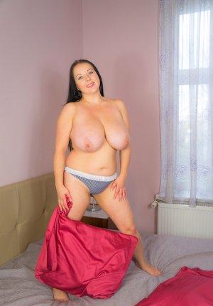 Milf Natural Tits Porn