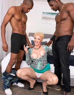 Milf 3some Porn