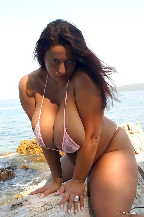 Milf Bikini Porn